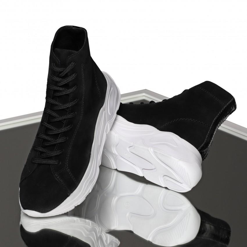 SAINT 02 BLACK